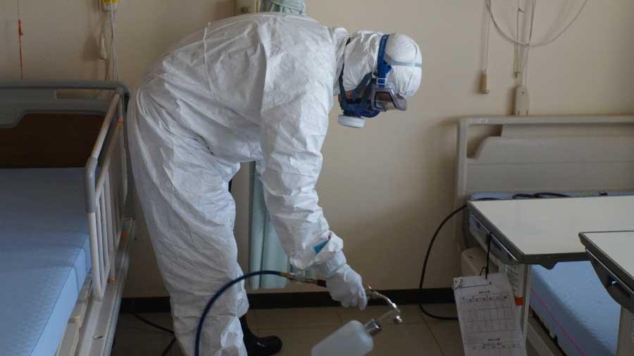 新型コロナウイルスの除菌作業