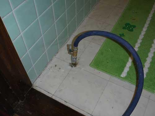 トイレのシロアリ駆除施工
