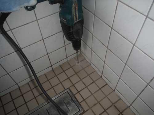 風呂場のシロアリ駆除