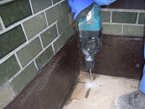玄関のシロアリ防除施工