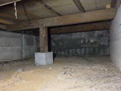 脱衣場の床下