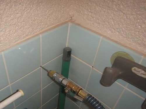 トイレの壁内処理